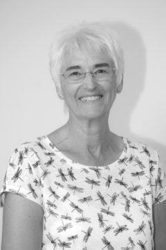 Eirwen Hughes - Gweinyddwr Ariannol